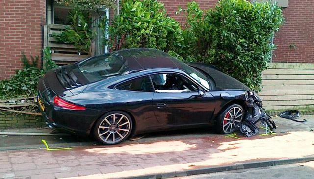 first-wrecked-911-series-porsche-911_100383466_m
