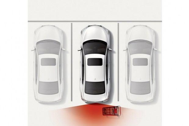 2013-Nissan-Altima-Sedan-03[3]
