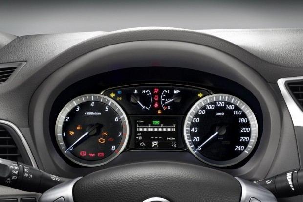 2013-Nissan-Sylphy-Sentra-13[2]