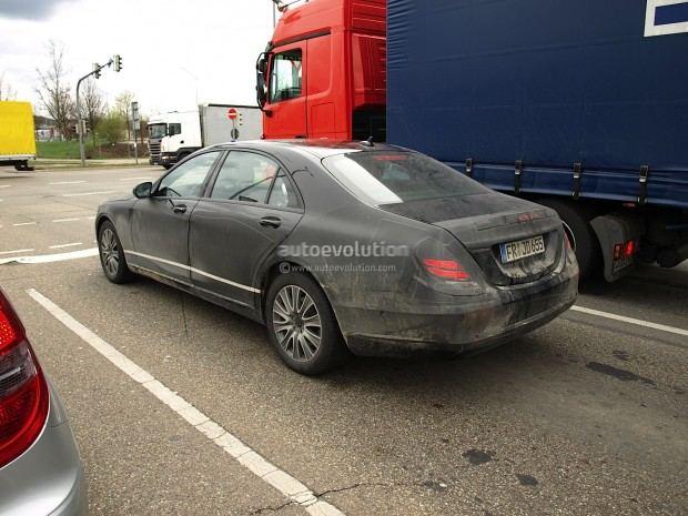spyshots-2013-mercedes-benz-s-class-with-interior-photos-1080p-5