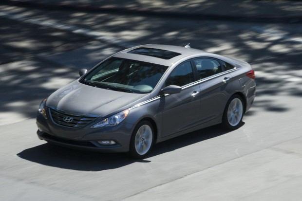 2013-Hyundai-Sonata-24[2]