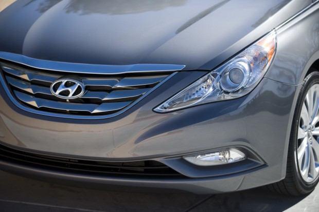 2013-Hyundai-Sonata-31[2]
