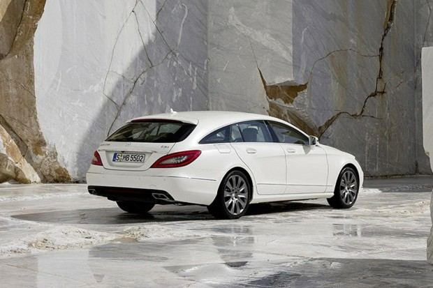 2013-Mercedes-Benz-CLS-Shooting-Brake-100[2]