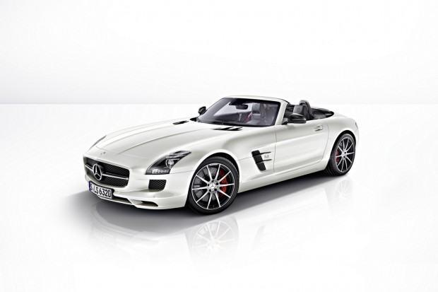 2013-Mercedes-Benz-SLS-AMG-GT-2[2]