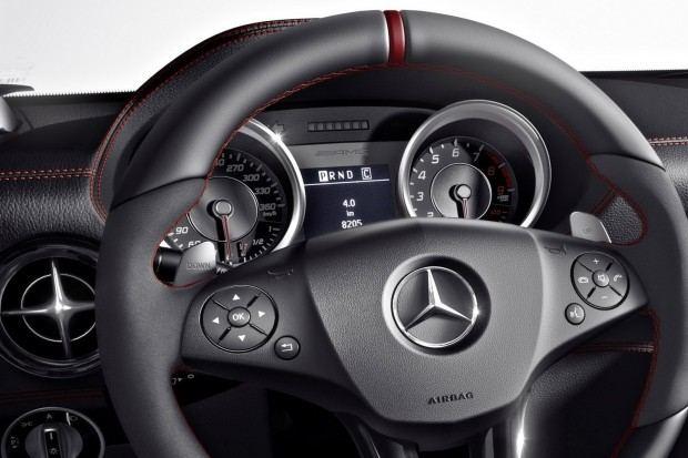 2013-Mercedes-Benz-SLS-AMG-GT-9[2]