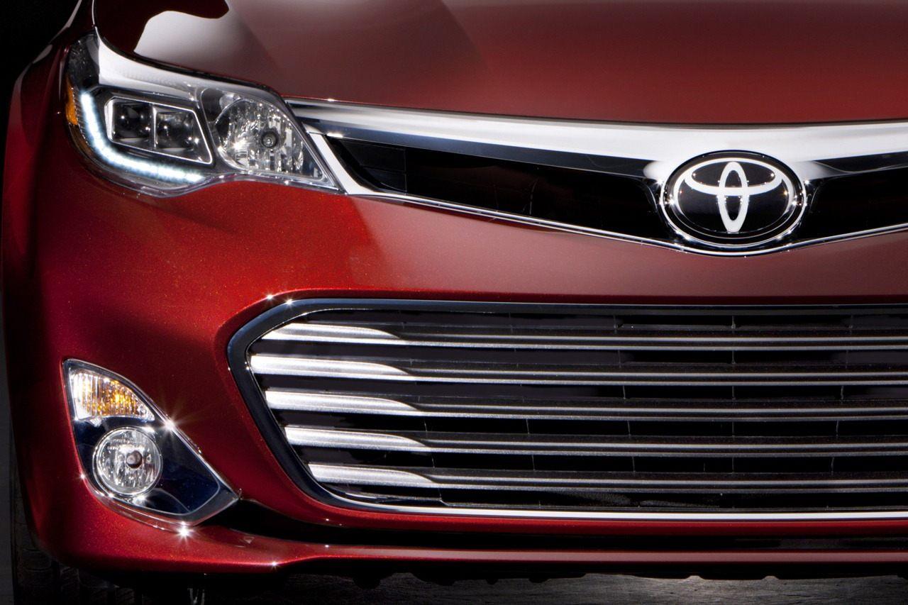 2013-Toyota-Avalon-15[2] (1)