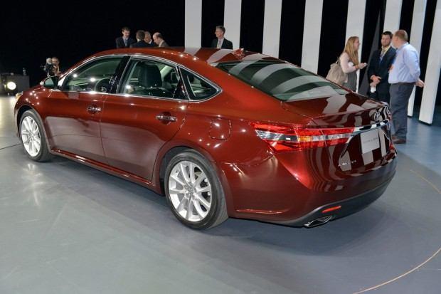 2013-Toyota-Avalon-7[2] (1)