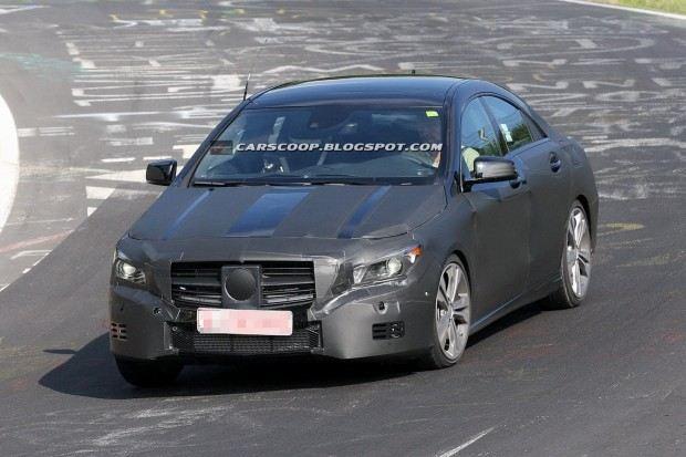 2014-Mercedes-Benz-CLA-02b
