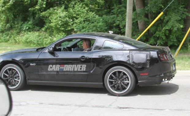 2015-ford-mustang-coupe-spy-photo-photo-459754-s-787x481