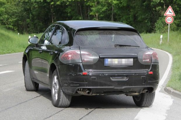 Erlkoenig-Porsche-Macan-19-fotoshowImageNew-fd772999-594999