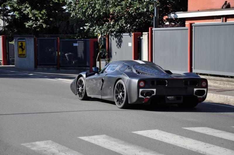 Ferrari-F70-1