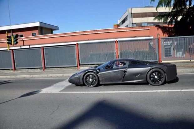 Ferrari-F70-2