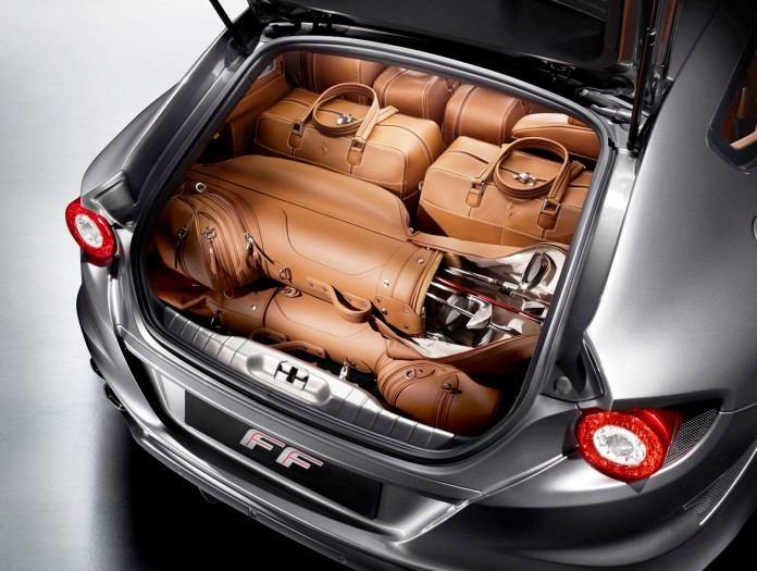 2012-Ferrari-FF-at-Desert-Trunk-696x525
