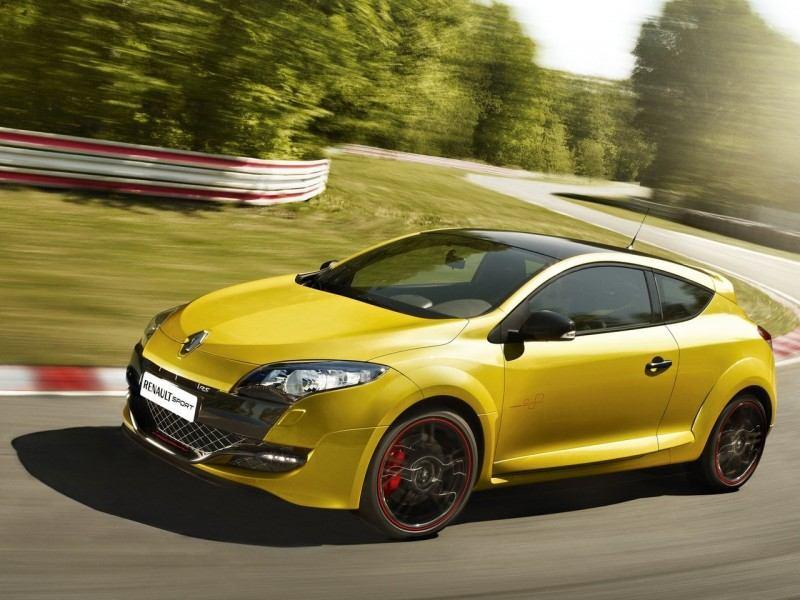 2012-Renault-Megane-RS-Trophy-Front-Side-800x600