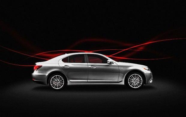 2013-Lexus-LS-460-F-Sport-side
