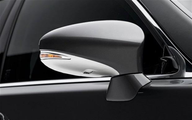 2013-Lexus-LS-460-F-Sport-side-mirror