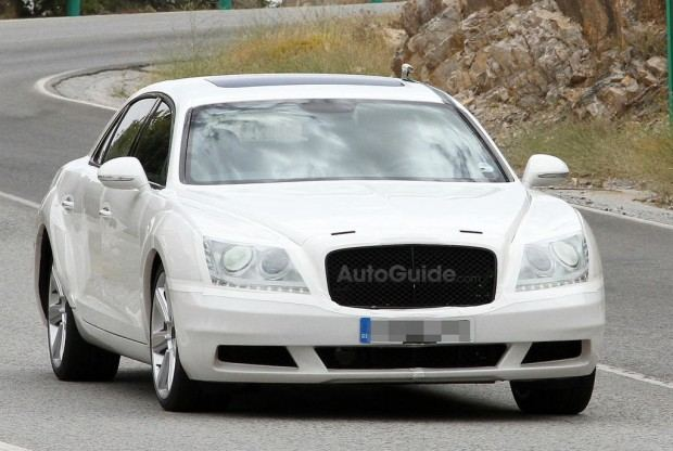 Bentley-Continental-Flying-Spur-Spy-Photo-AutoGuide-02