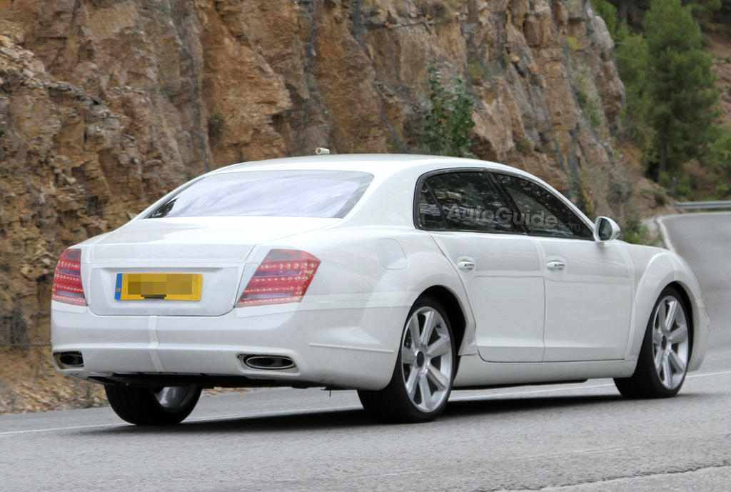Bentley-Continental-Flying-Spur-Spy-Photo-AutoGuide-06