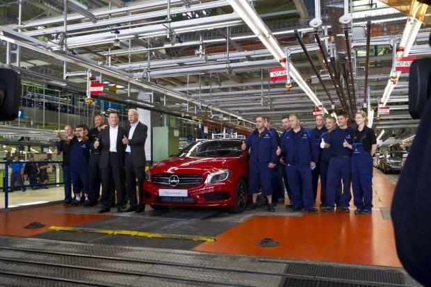Mercedes-A-Class-2013-7[2]