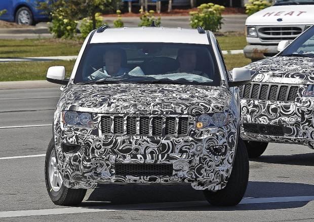 spyshots-2014-jeep-grand-cherokee-facelift-720p-4