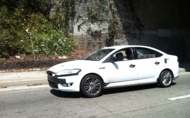 2013-Ford-Fusion-test-mule-side-1024x640