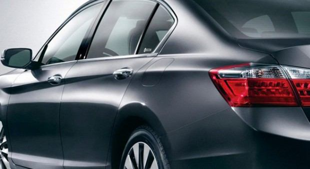 2013-Honda-Accord-4[2]8