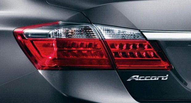 2013-Honda-Accord-8[2]9
