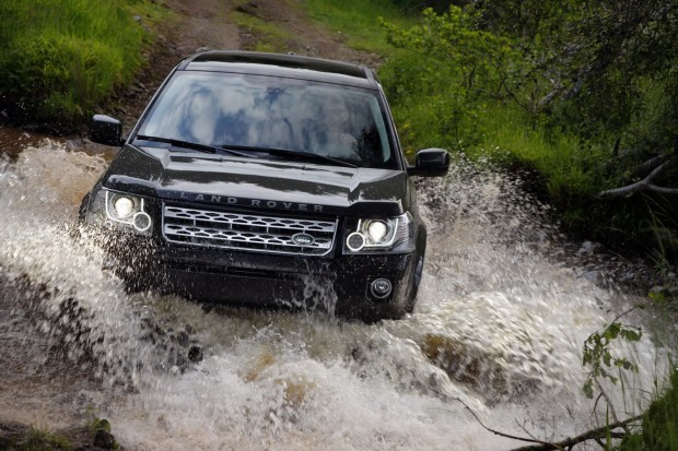 2013-LR-Freelander-Facelift-19[2]