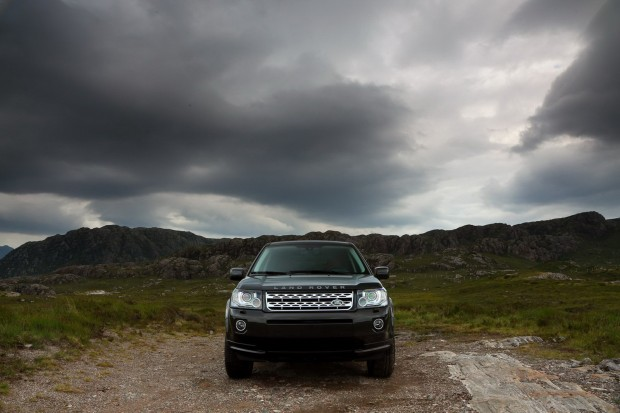 2013-LR-Freelander-Facelift-24[2]