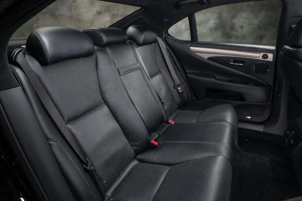 2013-Lexus-LS-G-Sport-12[2]