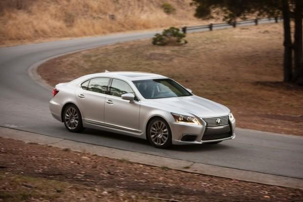 2013-Lexus-LS460-6[2]