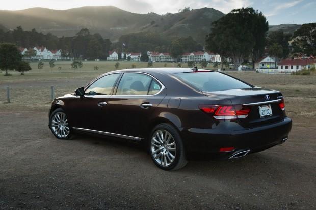 2013-Lexus-LS600-HL-2[2]