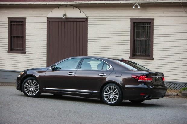 2013-Lexus-LS600-HL-3[2]