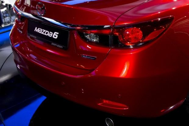 2014-Mazda6-8[2]