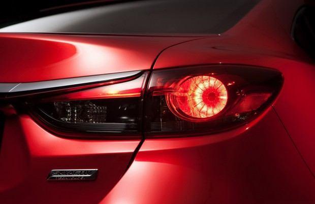 2014-Mazda6-Sedan-26[2]
