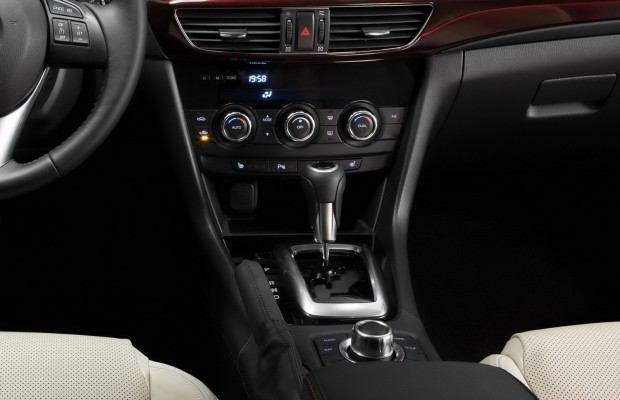 2014-Mazda6-Sedan-41[2]