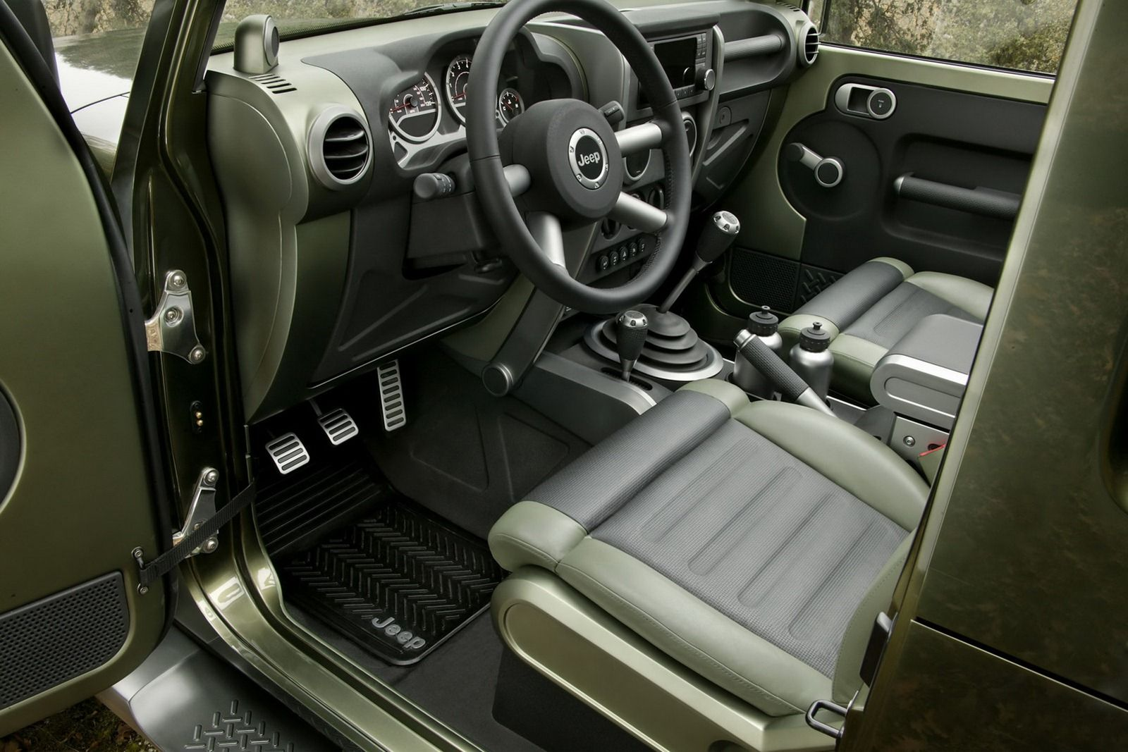Jeep-Gladiator-7[2]