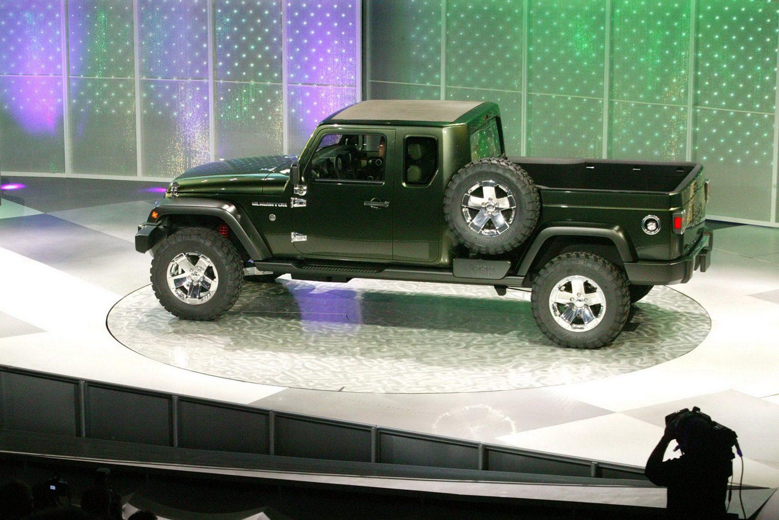 Jeep-Gladiator-8[2]