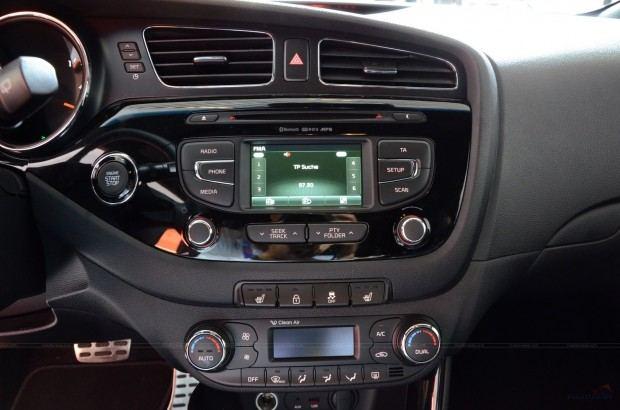 2013-Kia-Pro-Ceed-00021