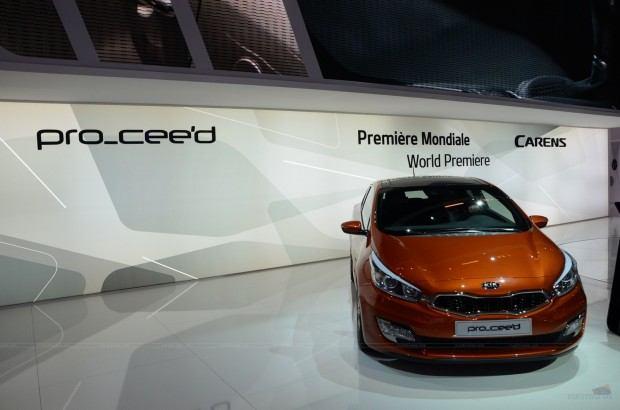 2013-Kia-Pro-Ceed-00030