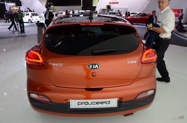 2013-Kia-Pro-Ceed-00036