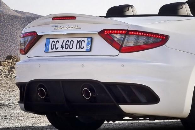 2013-Maserati-GranCabrio-MC-5[2]