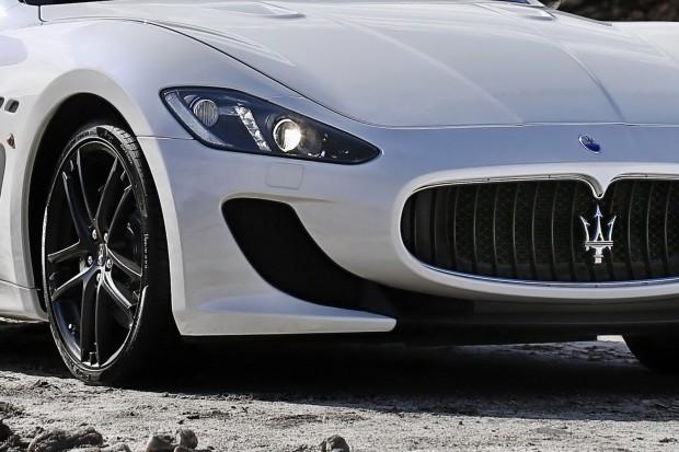 2013-Maserati-GranCabrio-MC-7[2]