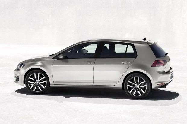 2013-VW-Golf-Mk7-10[2]
