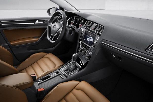 2013-VW-Golf-Mk7-12[2]