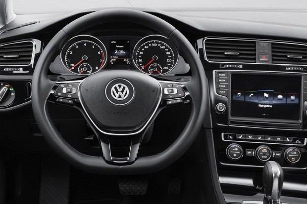 2013-VW-Golf-Mk7-13[2]