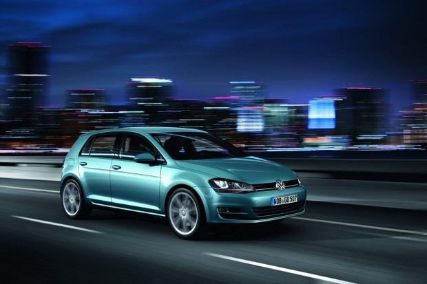 2013-VW-Golf-Seven-13[2]