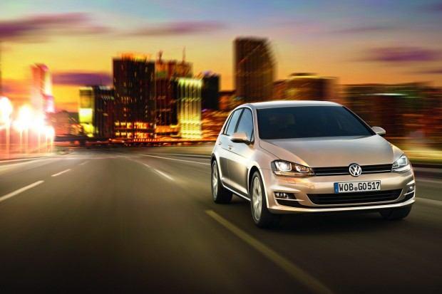2013-VW-Golf-Seven-14[2]