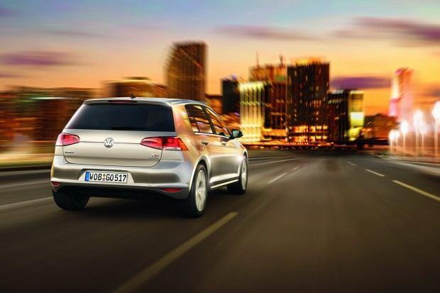 2013-VW-Golf-Seven-17[2]