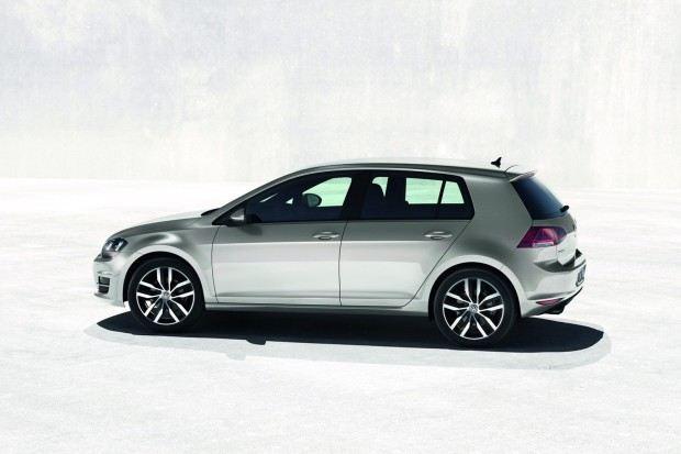 2013-VW-Golf-Seven-19[2]